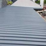Carportdach mit Trapezblechen in Ral 7016 gedeckt